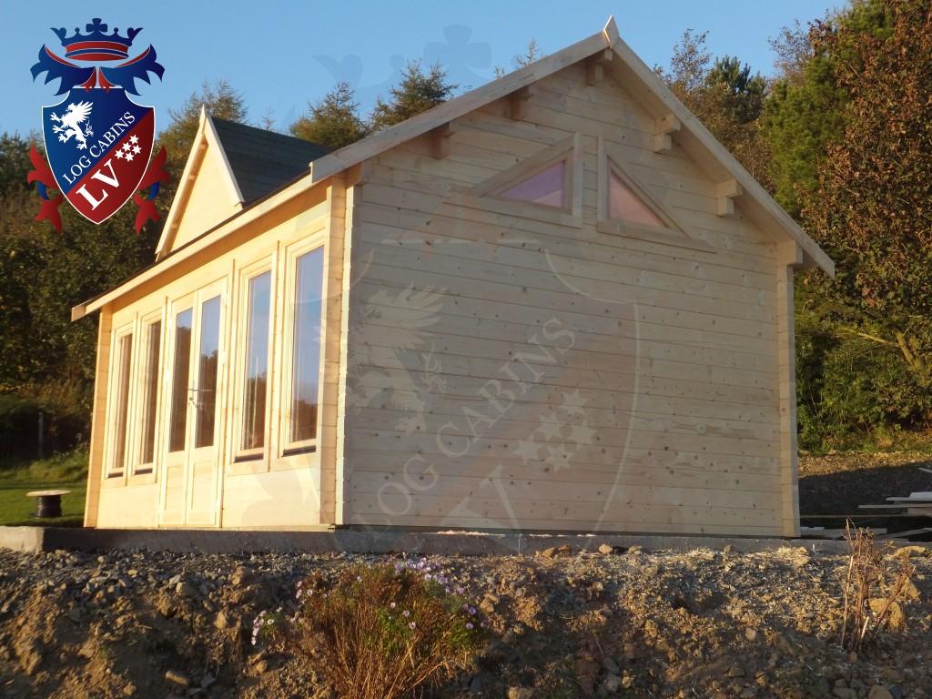 Clock House Log Cabins  073