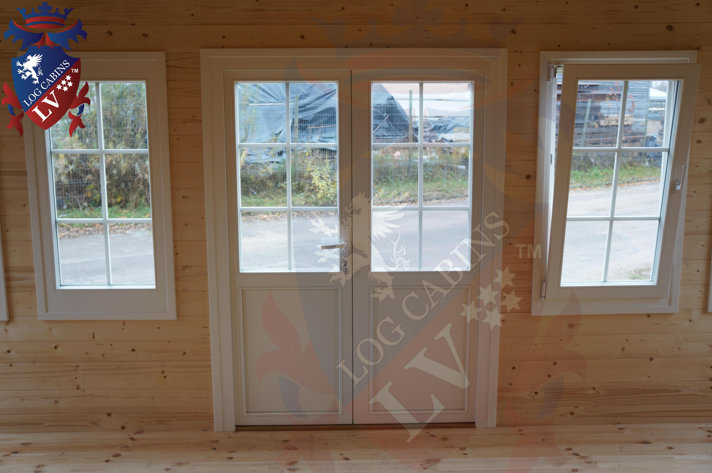 Deluxe Log Cabins Windows and Doors  9
