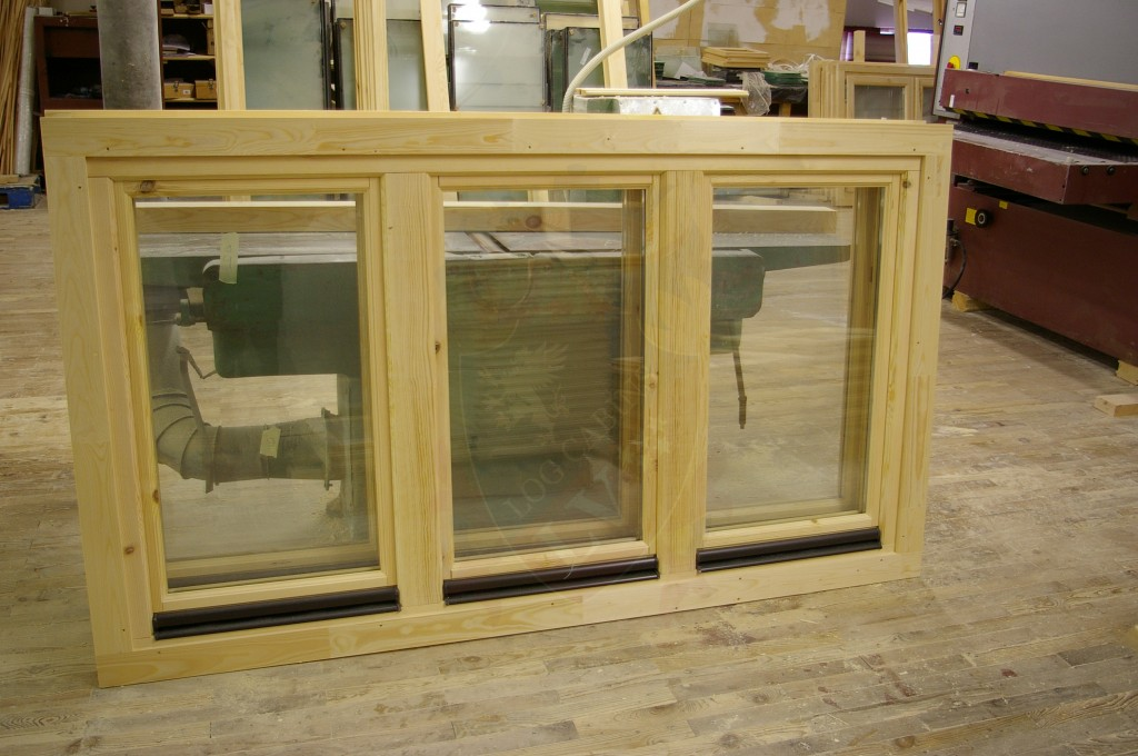 Tilt and turn double glazed log cabins windows and doors for Windows for log cabins