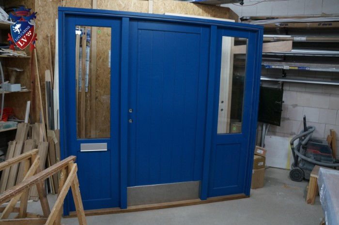 Quality log cabins windows and doors  14