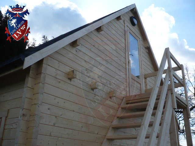 log cabins LV  179