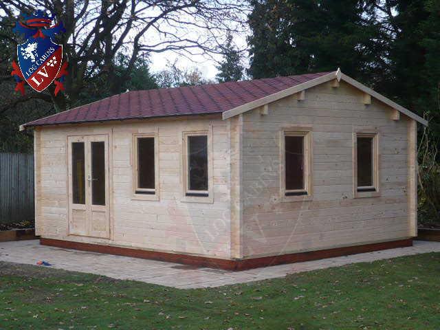 log cabins LV  304
