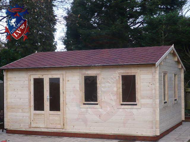 log cabins LV  329