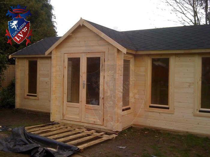 log cabins LV  729