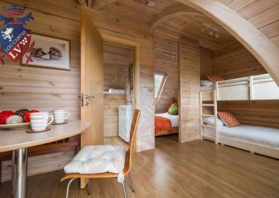 pods-offer-31-Inside-the-cabin